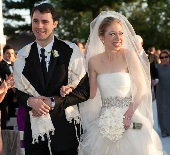 9th most expensive wedding dress ever