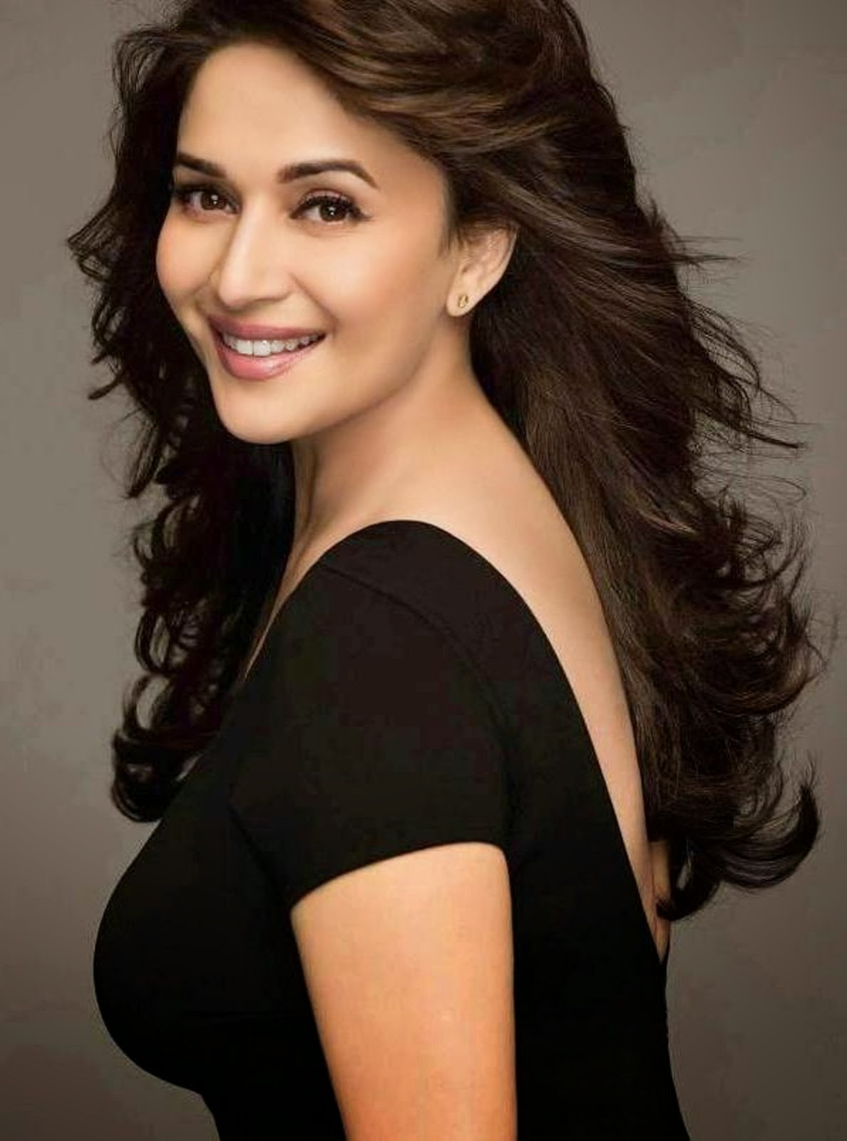 10 hottest Item Girls of Bollywood- Madhuri Dixit