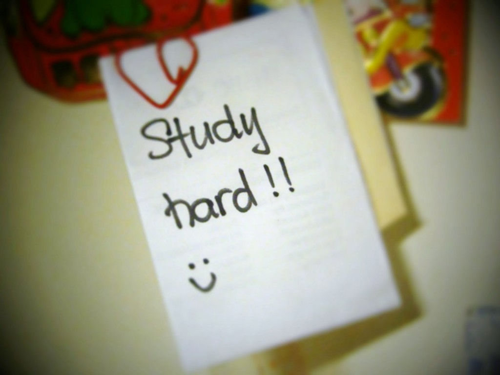 Things All Students do the Night Before Exams- Promise to Study Hard