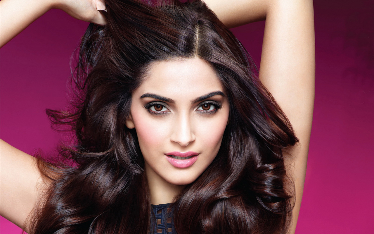 Actors who should Quit Acting- Sonam Kapoor
