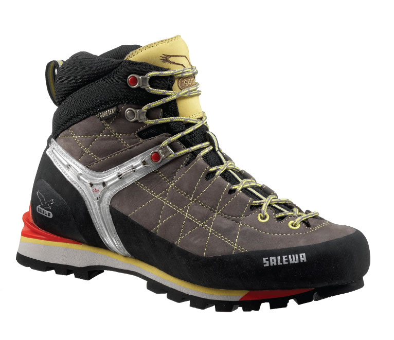 25 Best Trekking Shoes | OhTopTen