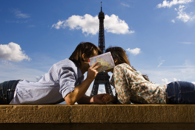 A French kiss in Paris
